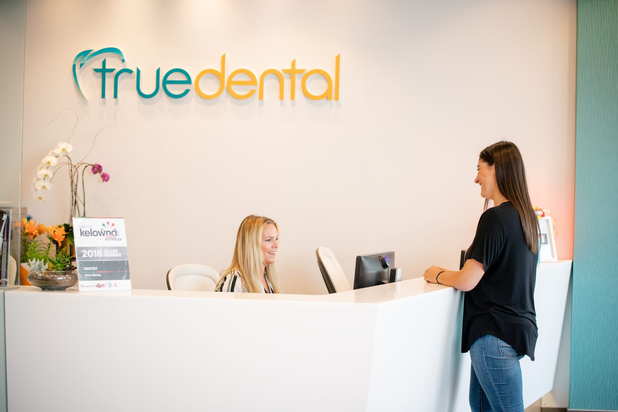 customer booking an appontment at true dental west kelowna dentist